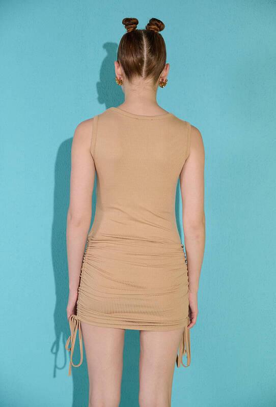 Bisküvi Kolsuz Yanları Büzgülü Kaşkorse Elbise
