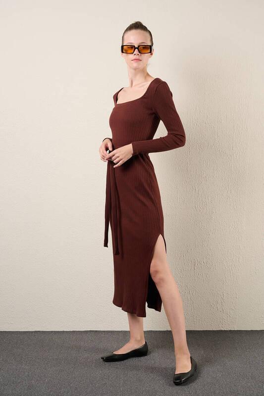Zechka - Kahverengi Uzun Kol Sütun Elbise