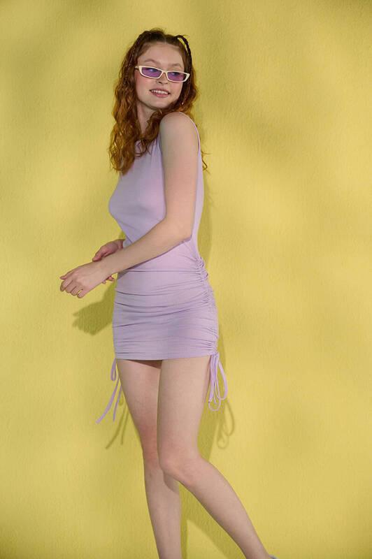 Lila Kolsuz Yanları Büzgülü Kaşkorse Elbise