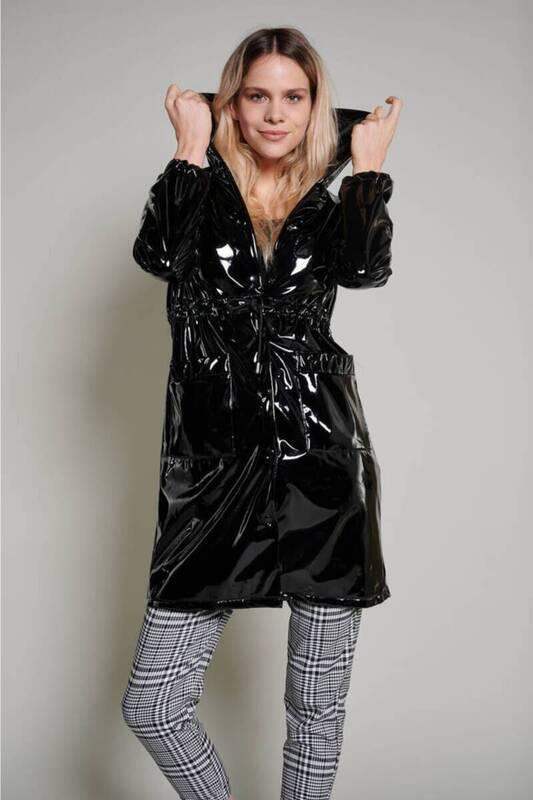 Siyah İçi Şardonlu Rugan Yağmurluk (ZCK0235)