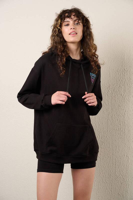 Zechka - Siyah Kanguru Cepli Sırt Baskılı Sweatshirt (zck0318)