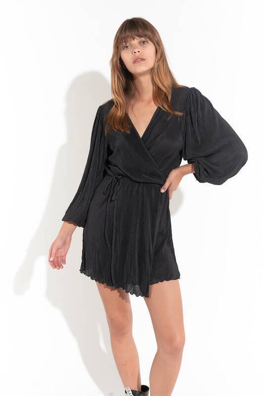 Siyah Önden Bağlamalı Balon Kol Pliseli Elbise (ZCK0154)