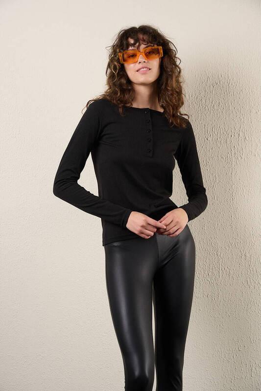 Zechka - Siyah Yarım Düğmeli Uzun Kol Body